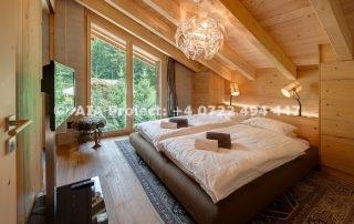 mansarda din lemn